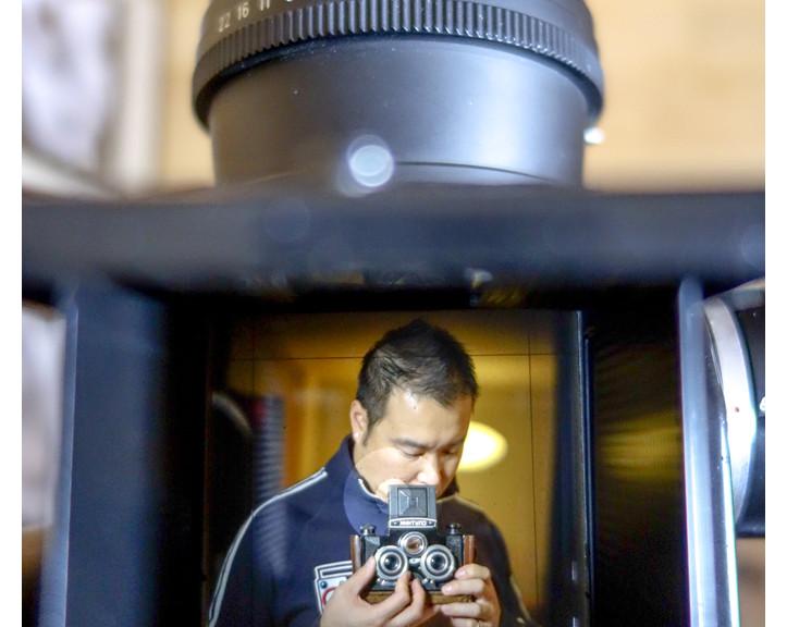 Viewing through ARAX (modified Kiev 88 with Pentacon 6 mount) + Zeiss Jena 120mm f2.8 lens.